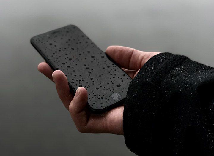 telefon rezistent la apa